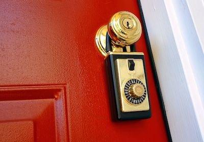 È violazione di domicilio non uscire di casa dietro ordine del titolare