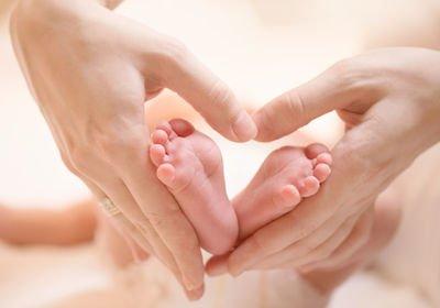 Dimissioni della lavoratrice madre: sempre dovuta l'indennità di preavviso