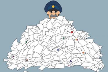 Le cartelle di Equitalia col postino: notifica legittima?