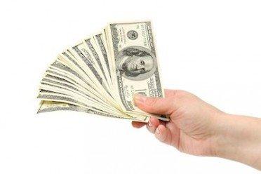 Obbligo di tracciabilità per pagamenti a professionisti con acconti mensili: contanti o assegno?
