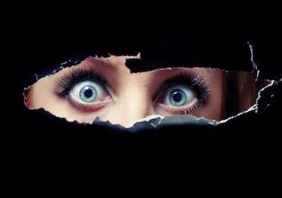 Testimone bugiardo: può essere punito se mente per paura?