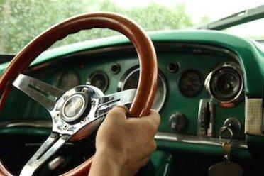 Assenza di copertura assicurativa: multa se passi col rosso o per divieto di sosta o eccesso velocità