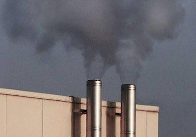 Canna fumaria in condominio: quando è possibile, condizioni e distanze