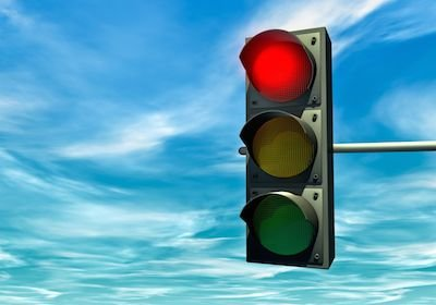 Multa per passaggio con il rosso: le telecamere non sono tarate