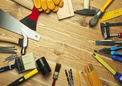 Come stuccare fori e crepe nei muri
