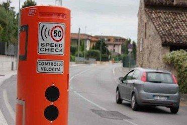 Autovelox nullo se il cartello con l'avviso è a meno di 80 metri