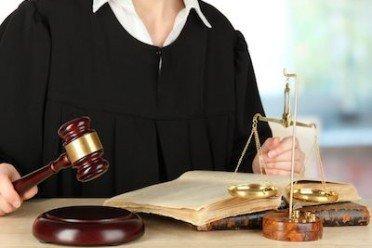 Causa rinviata: responsabile l'avvocato?