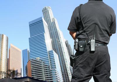Il poliziotto può emettere le multe dal computer senza redigere verbali