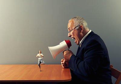Mobbing: anche il comportamento dei colleghi può portare alla condanna