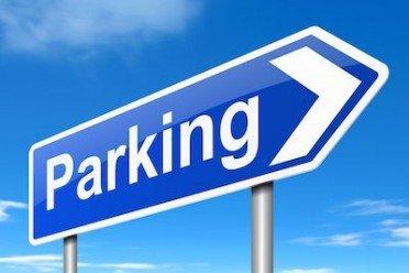 L'auto lasciata nel parcheggio deve avere l'assicurazione