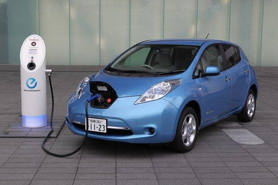 Ambiente: Obiettivo 2025: auto elettriche pari al 30% delle vendite totali