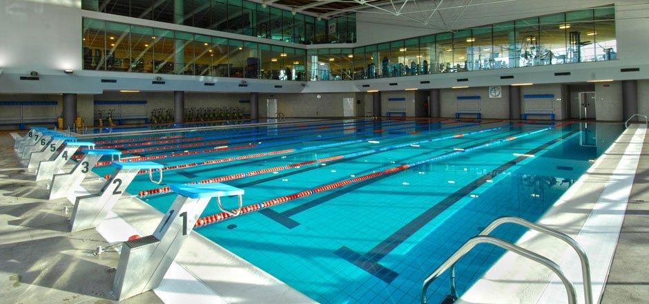 Manutenzione piscina pubblica: a chi spetta?