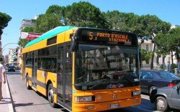 Bus e metro, multe sino a 200 euro per chi è senza biglietto