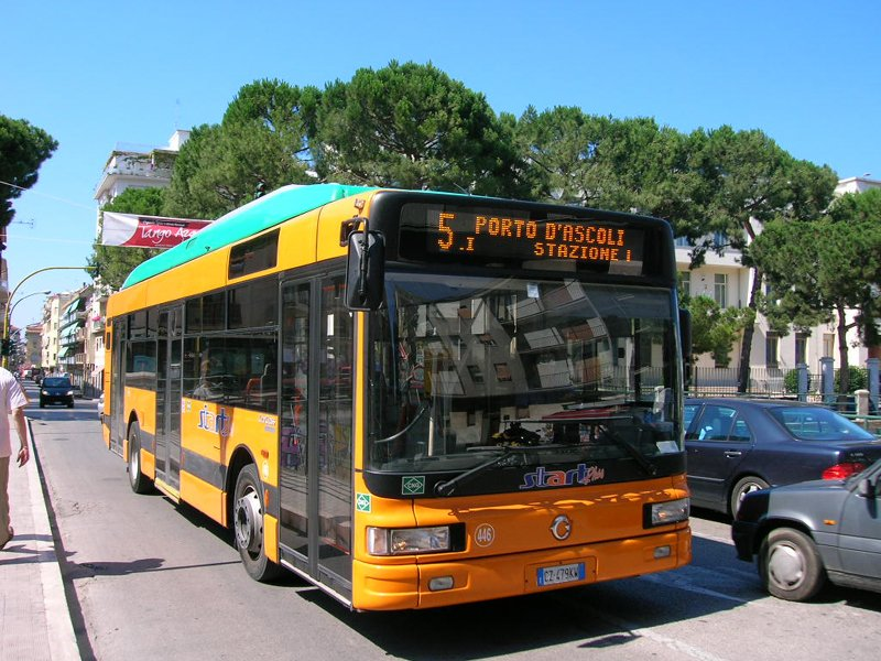 Biglietto autobus con orario scaduto per il traffico: rischio multa?