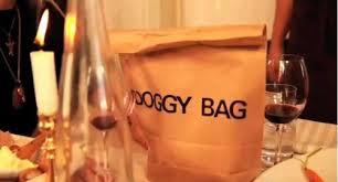 Avanzi al ristorante: la doggy bag per il cane è un diritto