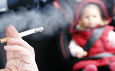 Nuovo divieto di fumare in auto