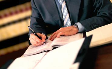 Avvocati: preventivo scritto anche se il cliente non lo chiede