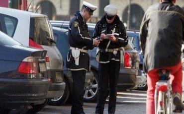 Chi impugna la multa non deve comunicare i dati del conducente
