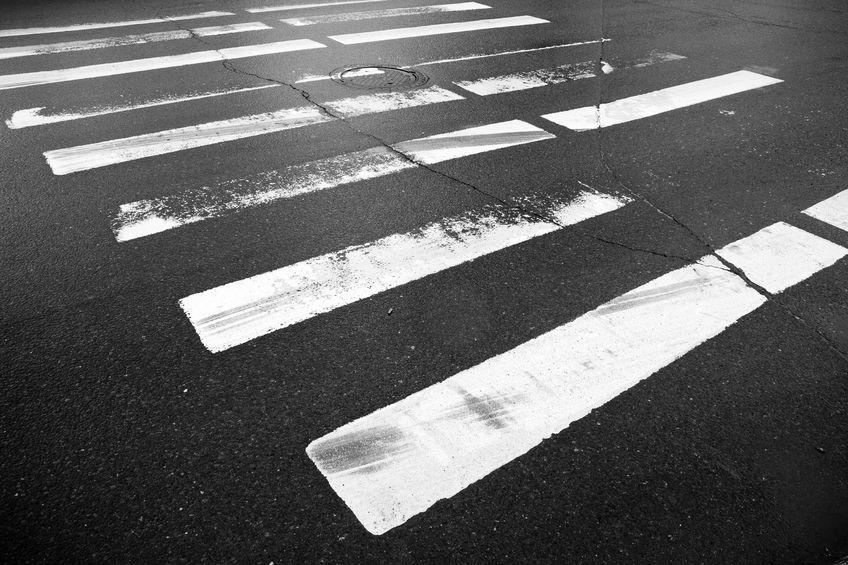 Nulla la multa dell'ausiliario del traffico sulle strisce pedonali
