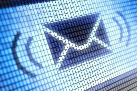 Come chiedere copia delle cartelle di Equitalia direttamente con l'email