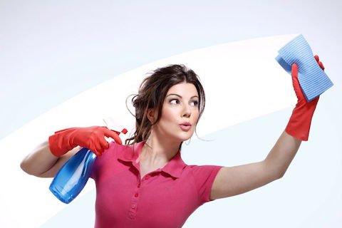 Collaboratrici domestiche: anche incinta la colf è licenziabile