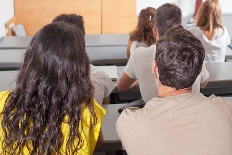 Lecito assistere a una seduta di esame altrui?
