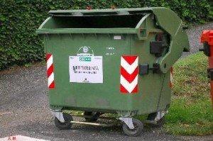Ridotta la tassa sui rifiuti se il cassonetto lontano da casa