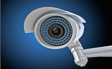 Niente telecamere in casa senza il consenso della colf