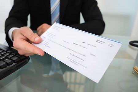 Assegno a garanzia del pagamento: nullo