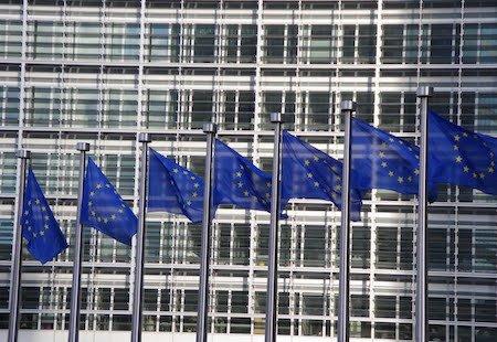 Concorso pubblico in istituzioni europee per assistenti, giuristi, medici, educatori