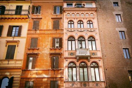 Decoro architettonico del palazzo in condominio: decide il regolamento