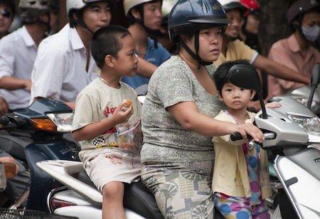 Senza casco sul motorino, il passeggero va risarcito sempre?