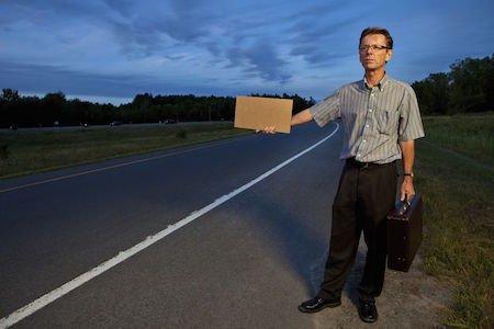 Autostop: chiedere un passaggio è illegale
