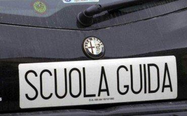 Scuolaguida: per l'incidente in moto dell'allievo chi risarcisce?