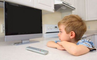 Figli minori: legittimo lasciarli soli in casa?