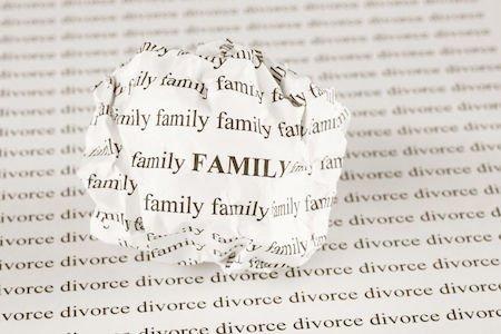 Abbandono della casa familiare: quali conseguenze?