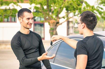 Auto usate: se acquisti da sconosciuto rischi l'ammenda
