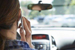 Guida al cellulare no multa per telefonate urgenti