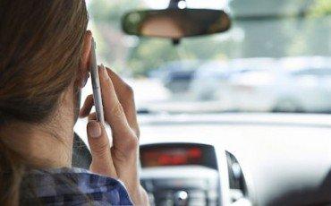 Multa per guida con cellulare: come difendersi