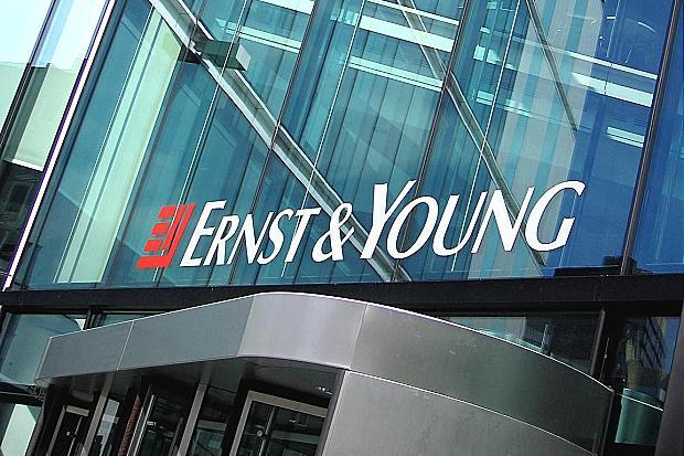 Maxi selezione professionisti e neolaureati, 1000 posti Ernst & Young