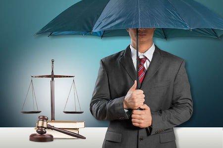 Pensione avvocati, si può percepire continuando a lavorare?