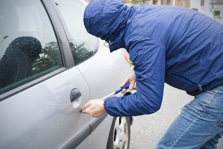 Atti vandalici, auto rigata: il risarcimento dall'assicurazione