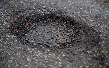 Buca stradale: risarcimento anche per la strada sconnessa