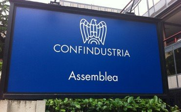 Confindustria, tirocini retribuiti 1000 Euro al mese