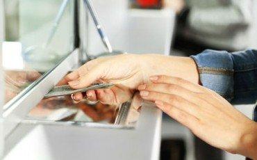 Prelievi col bancomat col consenso di uno dei titolari del conto