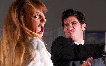 Schiaffo alla moglie: niente responsabilità per la separazione