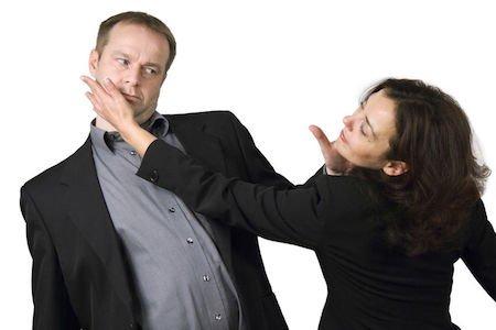 Separazione per uno schiaffo: scatta l'addebito?