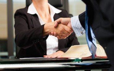 Parcella avvocato: come calcolare tariffe forensi e contributo unificato