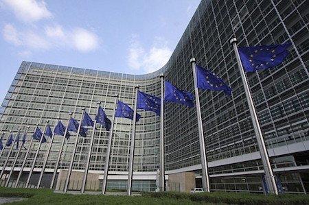 Commissione europea, 1300 tirocini retribuiti