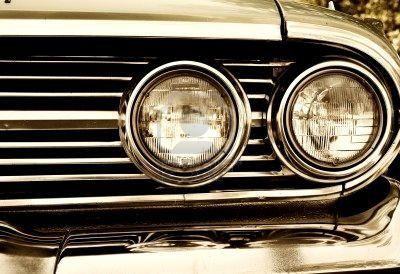 I fari dell'automobile: obblighi e multe in caso di rottura